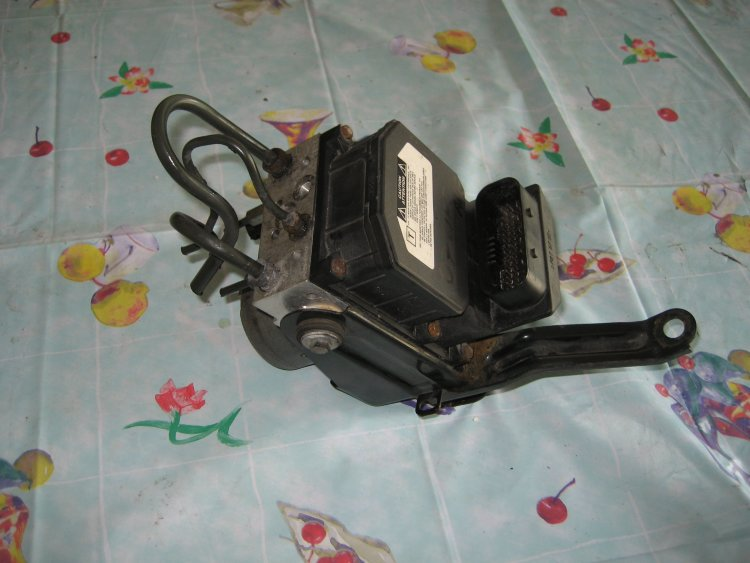насос ABS TOYOTA AVENSIS 06-09 05050 LIFT D4D